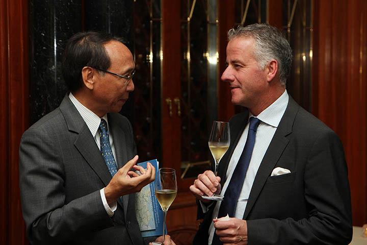 Baron Philippe Sereys de Rothschild, Hong Kong 7