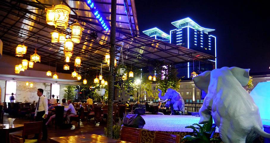 Vietnam, Rex Hotel Wine Diner 3